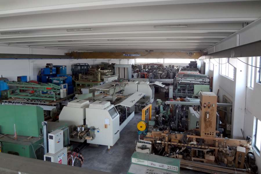 JJ Smith W.M. Italy, inside our 2000sqm Warehouse